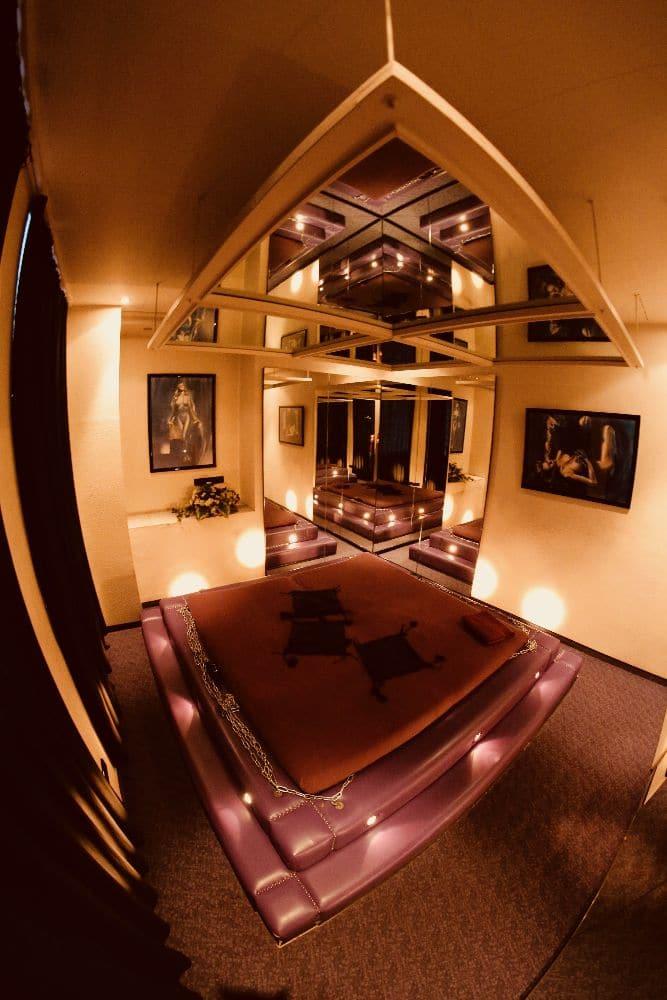 11 Spiegelzimmer 1